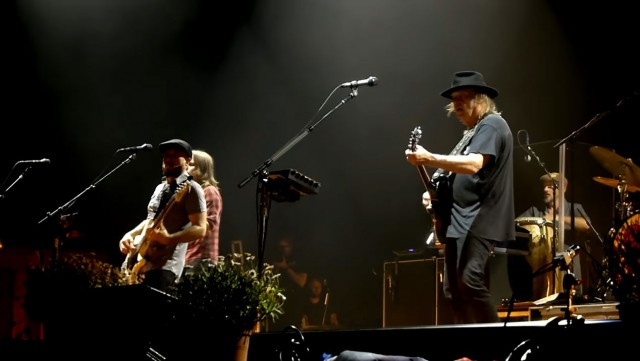 Neil Young Rockin' In The Free World